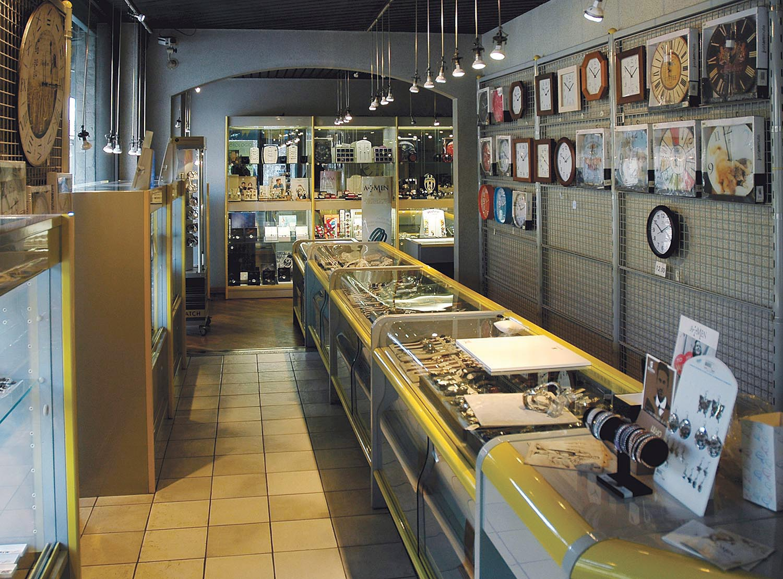negozio-misterwatch-vendita-gioielli-e-orologi-a-biella-interno