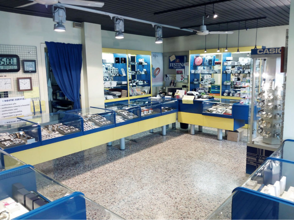 mister-watch-orologeria-biella-borgomanero-negozio-borgomanero02