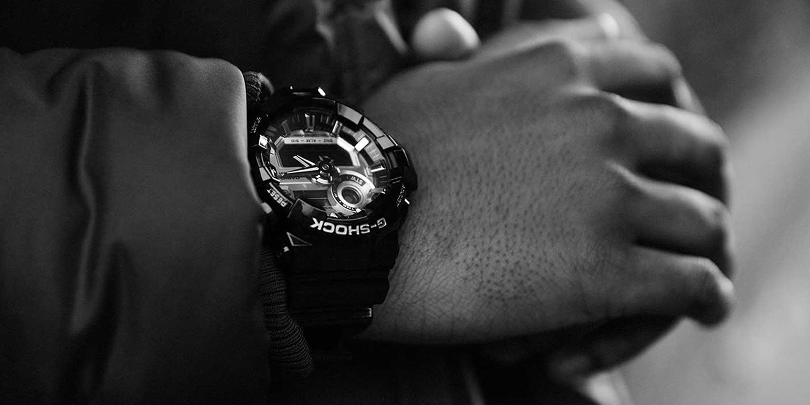 mister-watch-orologeria-gioielleria-biella-borgomanero-orologio-g-shock-GA-710GB-1AER-slide-2