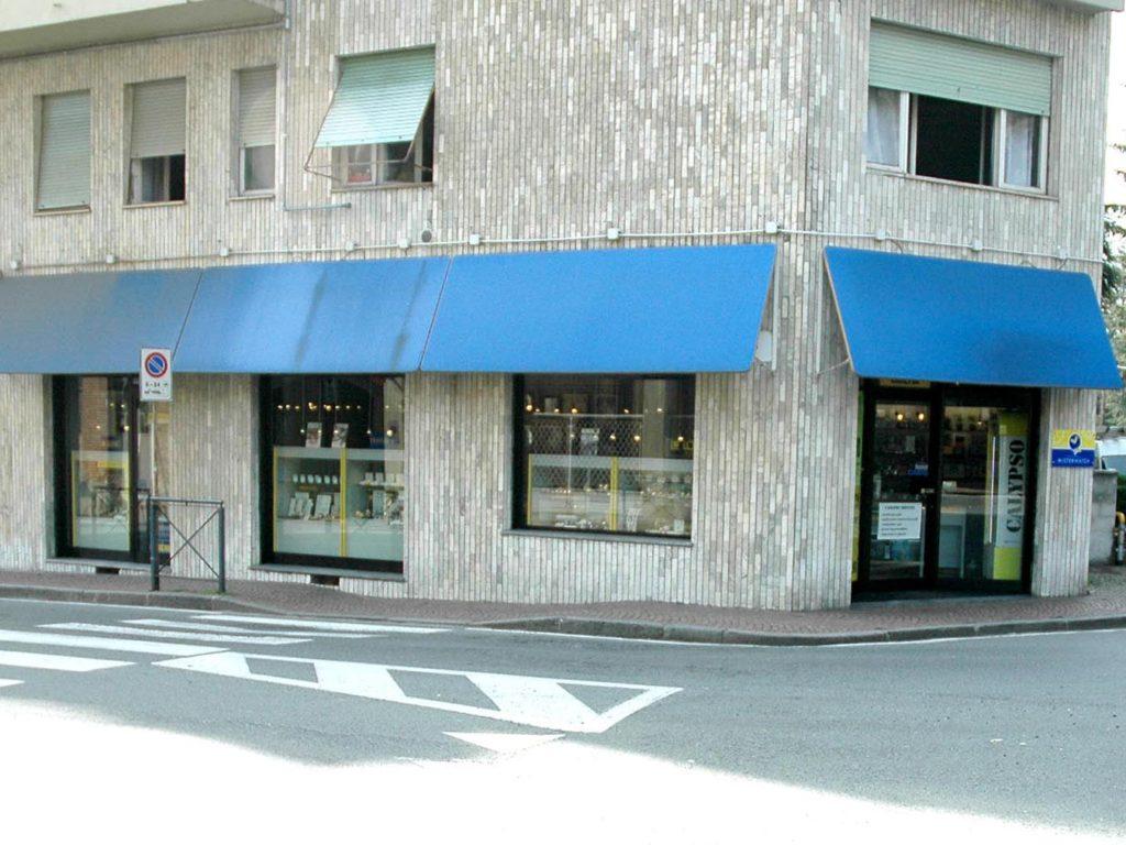 negozio-misterwatch-vendita-gioielli-e-orologi-a-biella-esterno