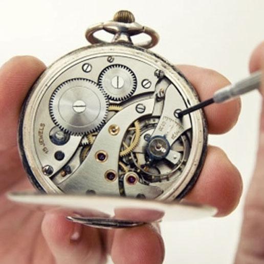mister-watch-vendita-e-riparazione-orologi-biella-e-borgomanero-laboratorio-riparazione-orologi